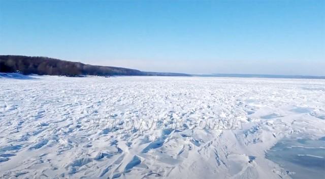 Хочете політати над змерзлим Кременчуцьким водосховищем? (ВІДЕО)