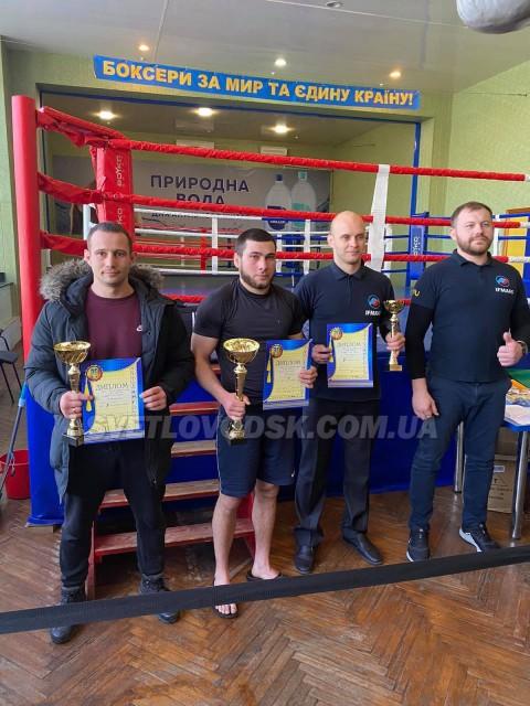 Спортсмени зі змішаних єдиноборств посіли друге командне місце у Дніпрі