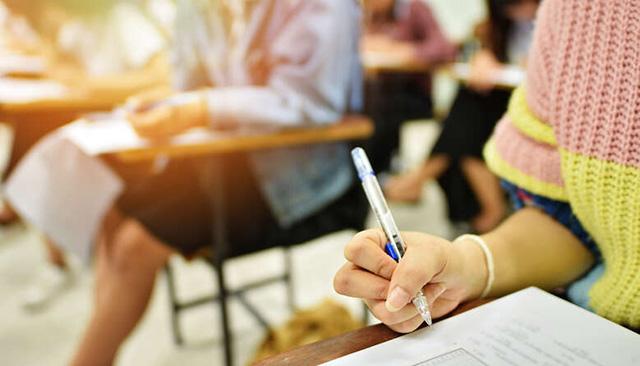 На Кіровоградщині учні 11-х класів звільняються від проходження ДПА