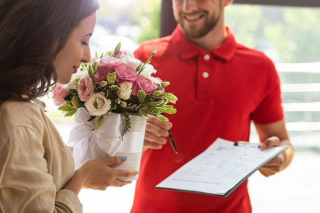 Як замовити доставку квітів у Світловодську, не виходячи з дому?