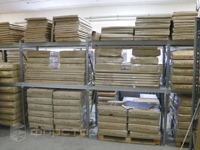 Різновиди та переваги використання металевих стелажів